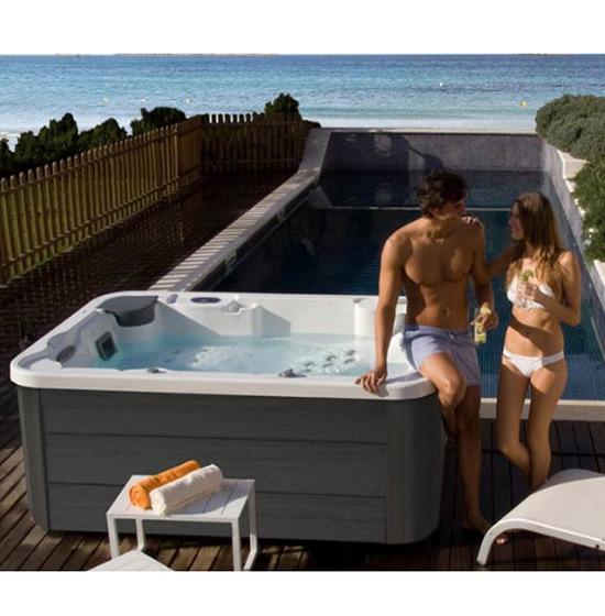 Acheter vente d'un jacuzzi AQUAVIA SPA modèle Aqualife 3 à Toulon dans le Var 83