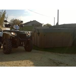 Notre quad POLARIS 570 cc  pour déplacer les spas sur la tranche