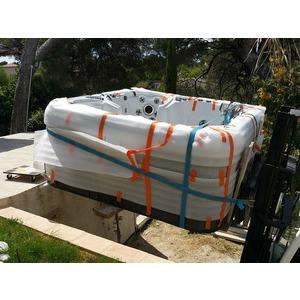 Destockage d'un jacuzzi américain modèle CATALINA SPAS modèle Navigator à Sanary sur mer 83110 VAR