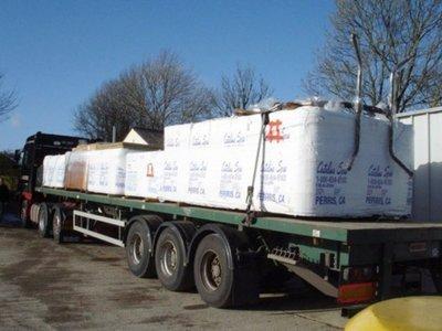 Livraison de 2 spas CATALINA par camion 33 tonnes à Ollioules dans le Var 83190