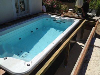 Achat, grutage et installation d'un spa de nage mono zone à Bandol VAR 83150