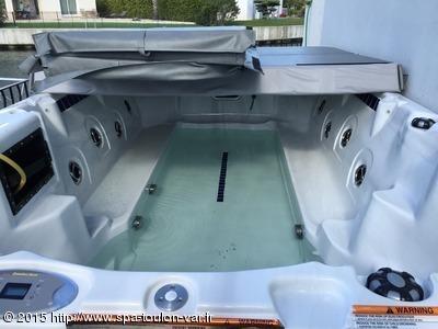 Installation spa de nage CATALINA SPAS modèle Newporter au Grau du Roi 30240